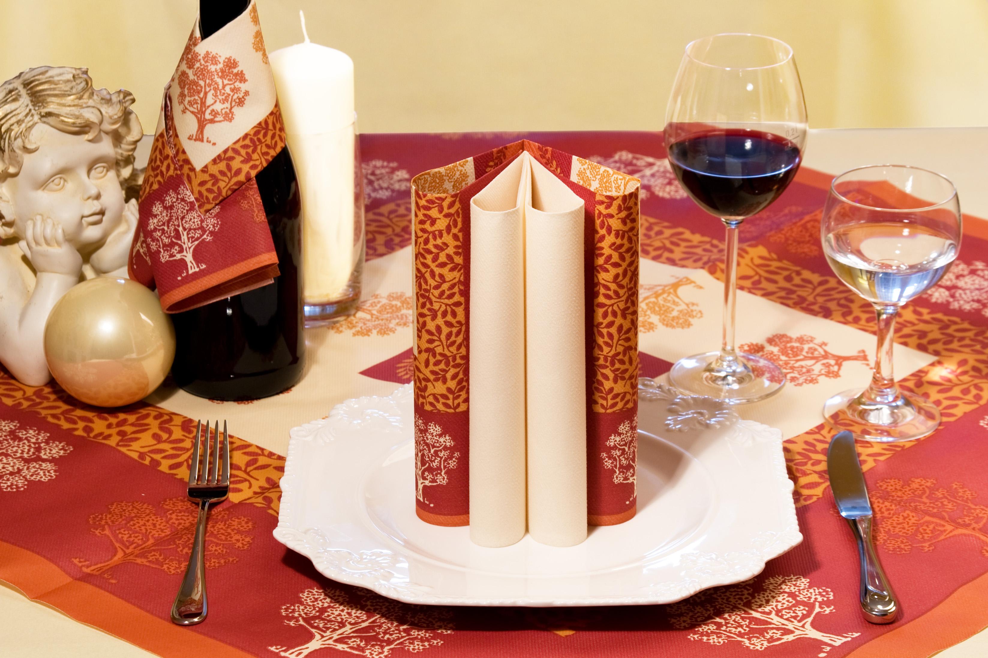 servietten falten brechen oder dekorieren und einen amazon gutschein gewinnen serviettenking. Black Bedroom Furniture Sets. Home Design Ideas